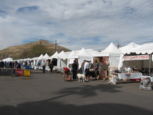a beautiful backdrop - the mountains surrounding Tucson